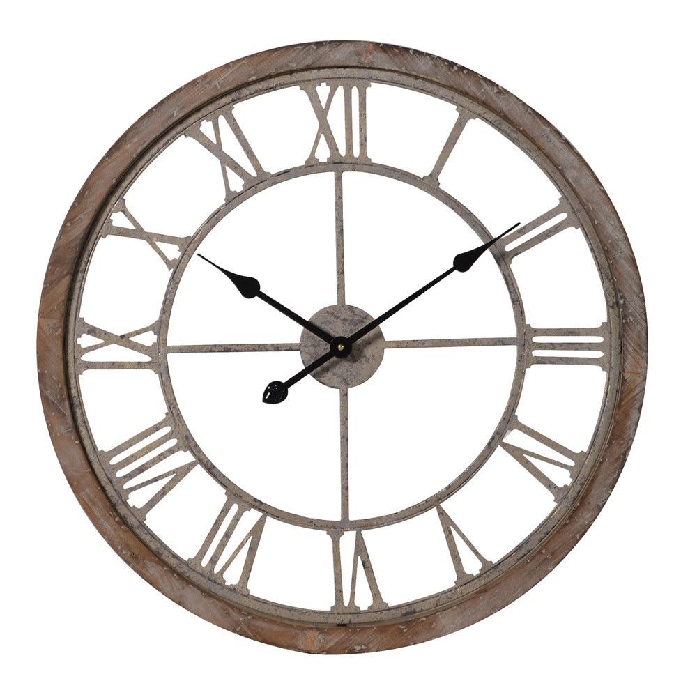 Дървен часовник с римски цифри