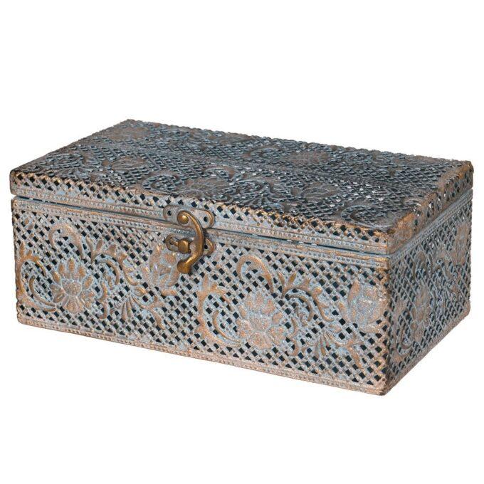 Златиста кутия с ажурен ефект